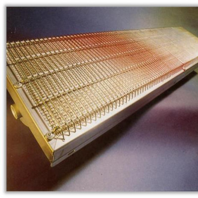 Radiant heater containing catalytic nanoparticles