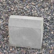 Bending resistant Concrete curb