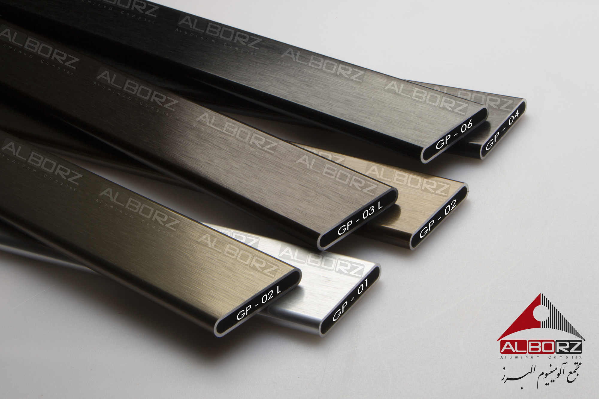 Aluminum profiles with wear-resistant and corrosion-resistant nanostructured anodizing coatings
